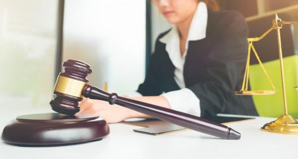 مشاوره زنان در دادگاه طلاق